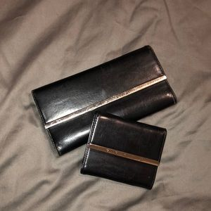 Black leather Guess wallet and matching billfold